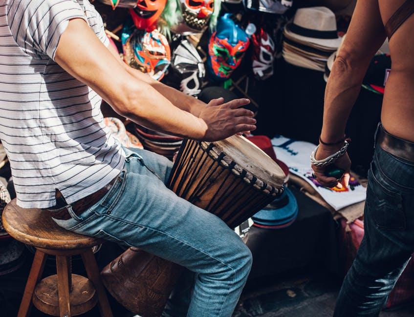 perkusyjny bęben conga